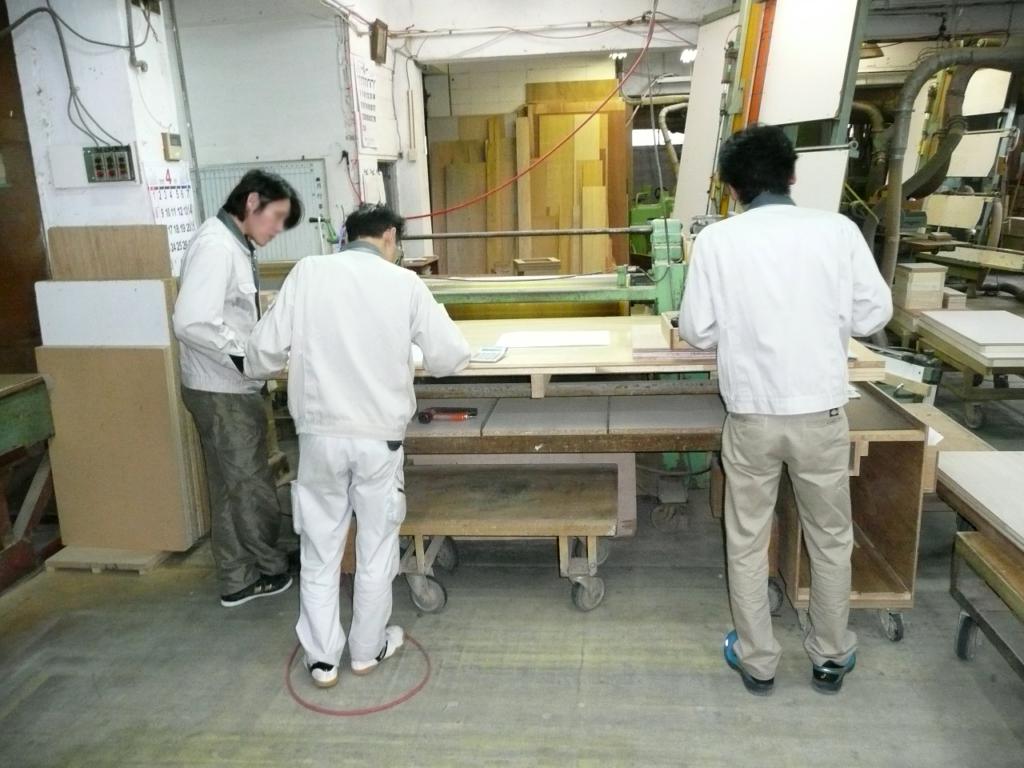 株式会社 中島木芸社|ブラジリアンローズウッド家具-製作現場より01